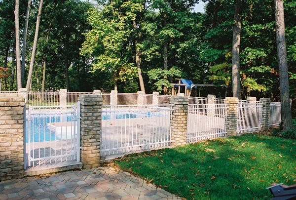 pool, fence