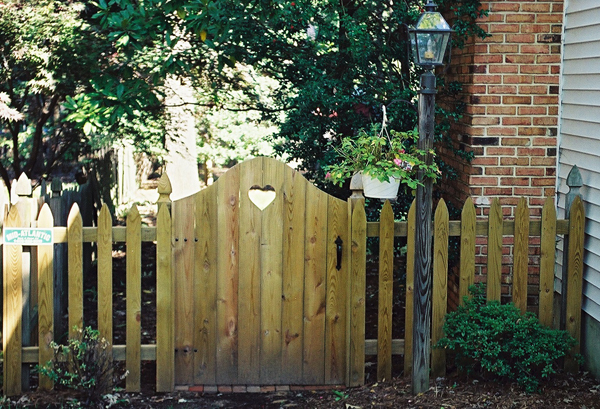 Wood Fencing Wooden Fence Builders Md Dc Va Mid