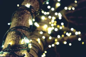 4 Tips for Decorating Your Outdoor Space this Holiday Season