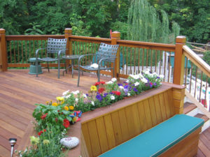 Built-In Deck Benches: Creative Ideas