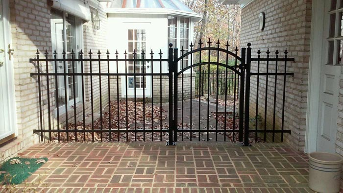 What Are the Benefits of Steel Fencing?