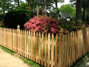 How to Maintain Your Wood Fence for Spring Weather