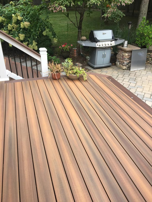 Why You Should Stain Your Deck at the Start of Spring This Year